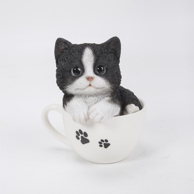 Котенок черный в чашке 13*14.5см